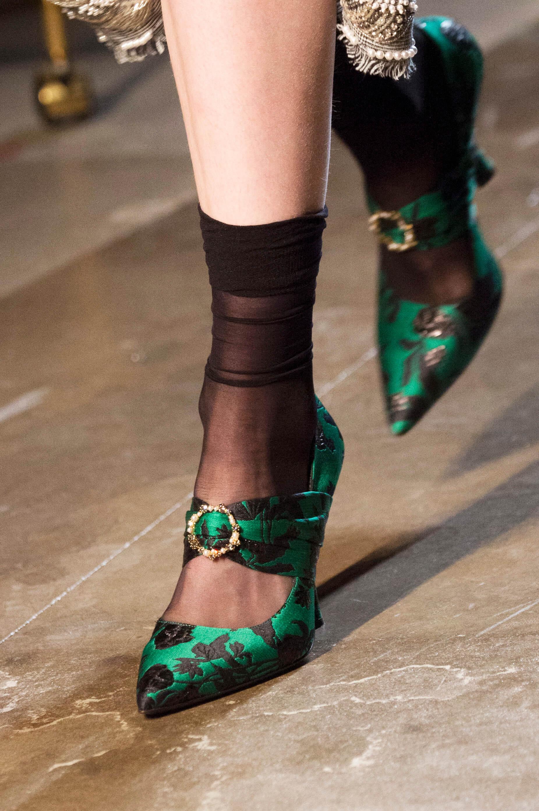 12 пар обуви с Недели Моды, которые можно носить каждый день-Фото 3