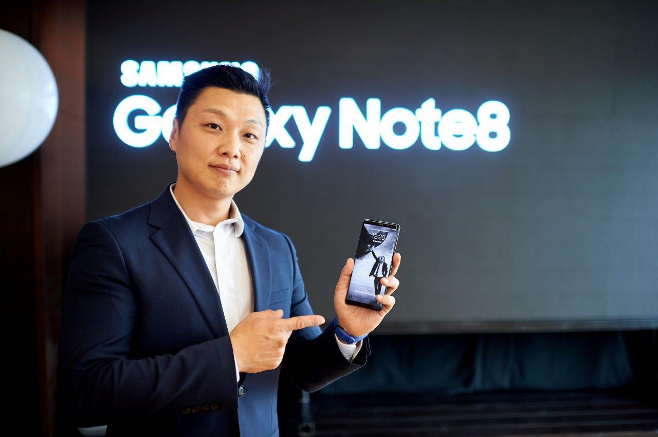 Samsung открыли интерактивное пространство Galaxy Studio в Украине-320x180