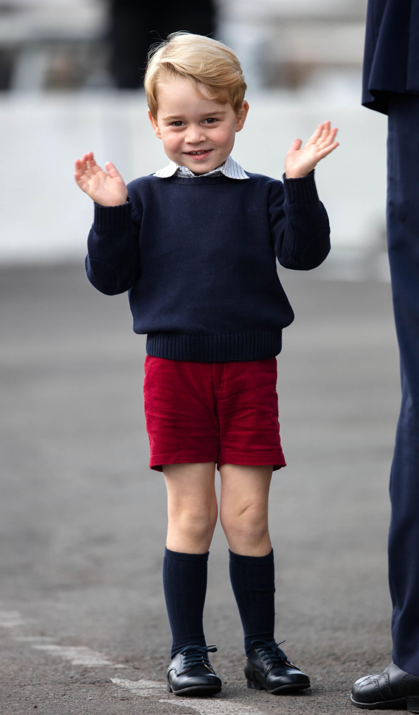 Маленький принц Джордж стал законодателем моды в Великобритании-Фото 1
