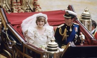 10 вещей, которые вы не знали о свадебном платье принцессы Дианы