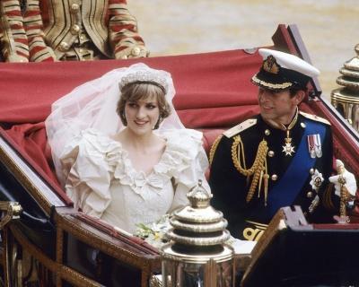10 вещей, которые вы не знали о свадебном платье принцессы Дианы-430x480