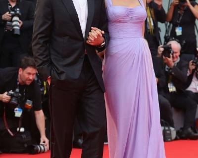 Лучшие вечерние платья Венецианского кинофестиваля-430x480