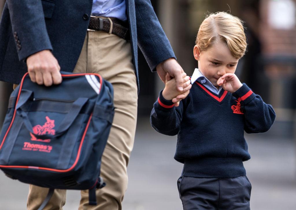 Принц Георг пошел в школу: сколько стоит его обучение?-320x180