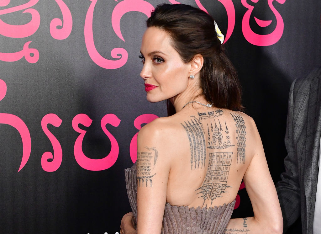 Фильм Анджелины Джоли номинирован на «Оскар»-320x180