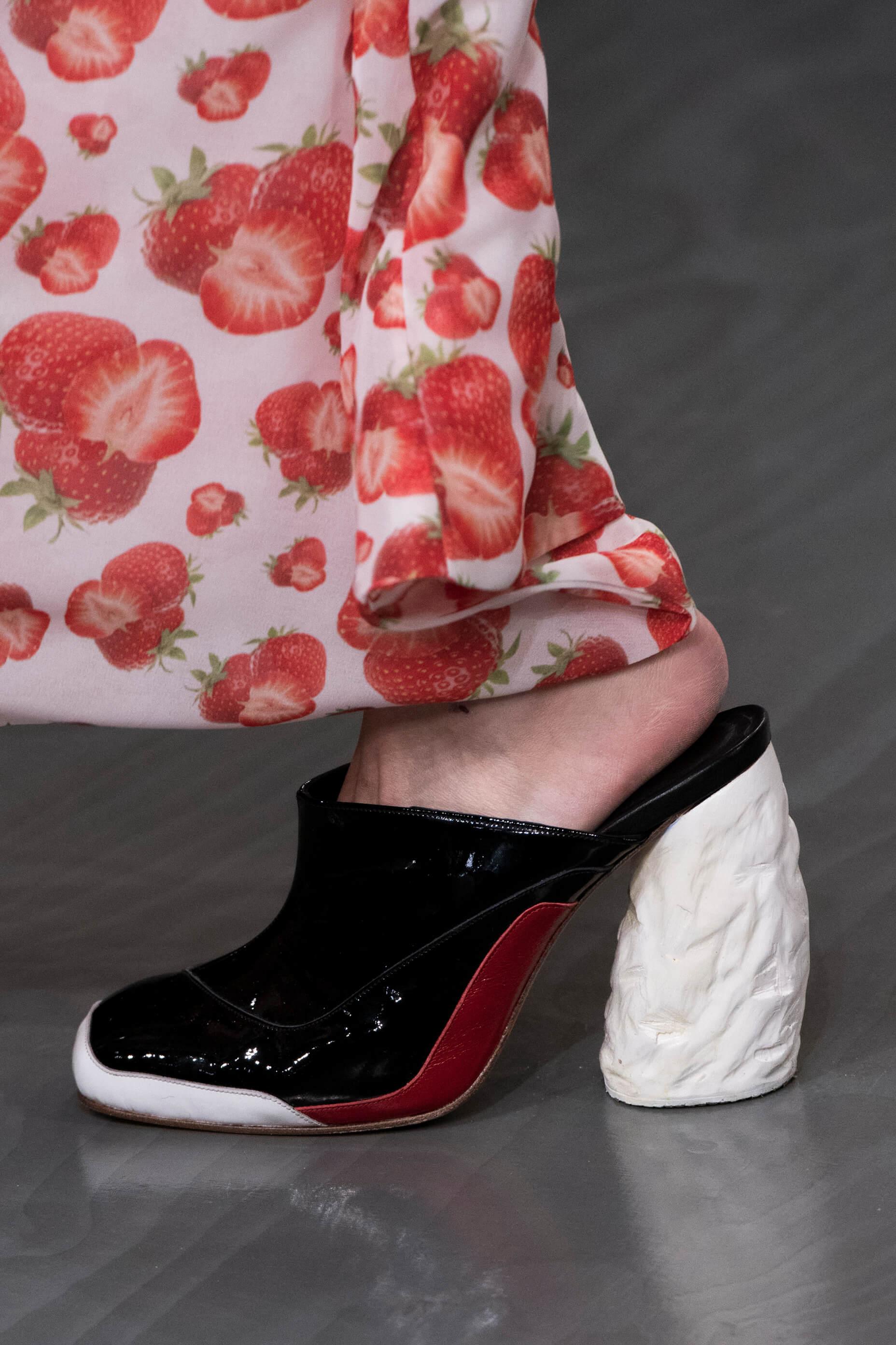12 пар обуви с Недели Моды, которые можно носить каждый день-Фото 2
