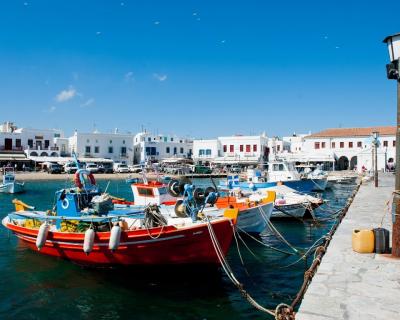 Греческий остров Миконос: Где остановиться, что делать, какие рестораны посетить-430x480