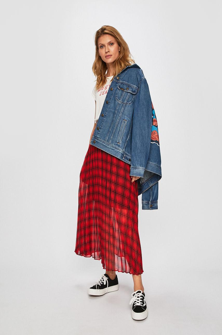 C чем осенью носить джинсовую куртку-Фото 8