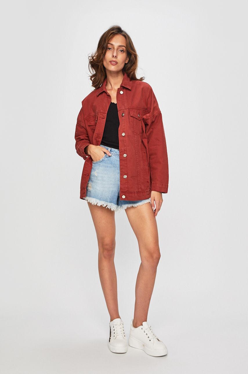 C чем осенью носить джинсовую куртку-Фото 4