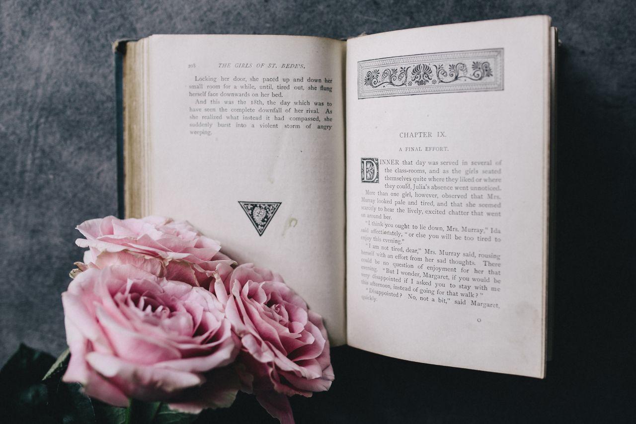 Книги о феминизме, которые достойны вашего внимания-320x180