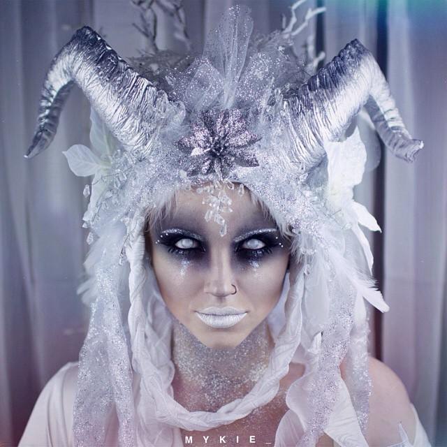 Невероятные идеи для макияжа на Хэллоуин-Фото 1