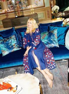 Клаудия Шиффер надела вышиванку от украинского бренда
