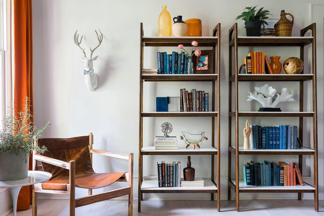 12 идей, как украсить книжную полку-Фото 4