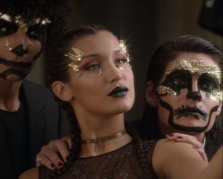 Макияж на Хэллоуин: 3 быстрых образа от главного визажиста Dior