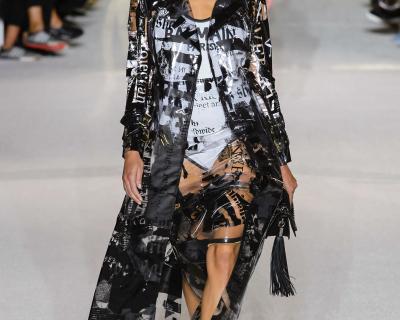 Новый тренд: Одежда в пластиковом чехле-430x480