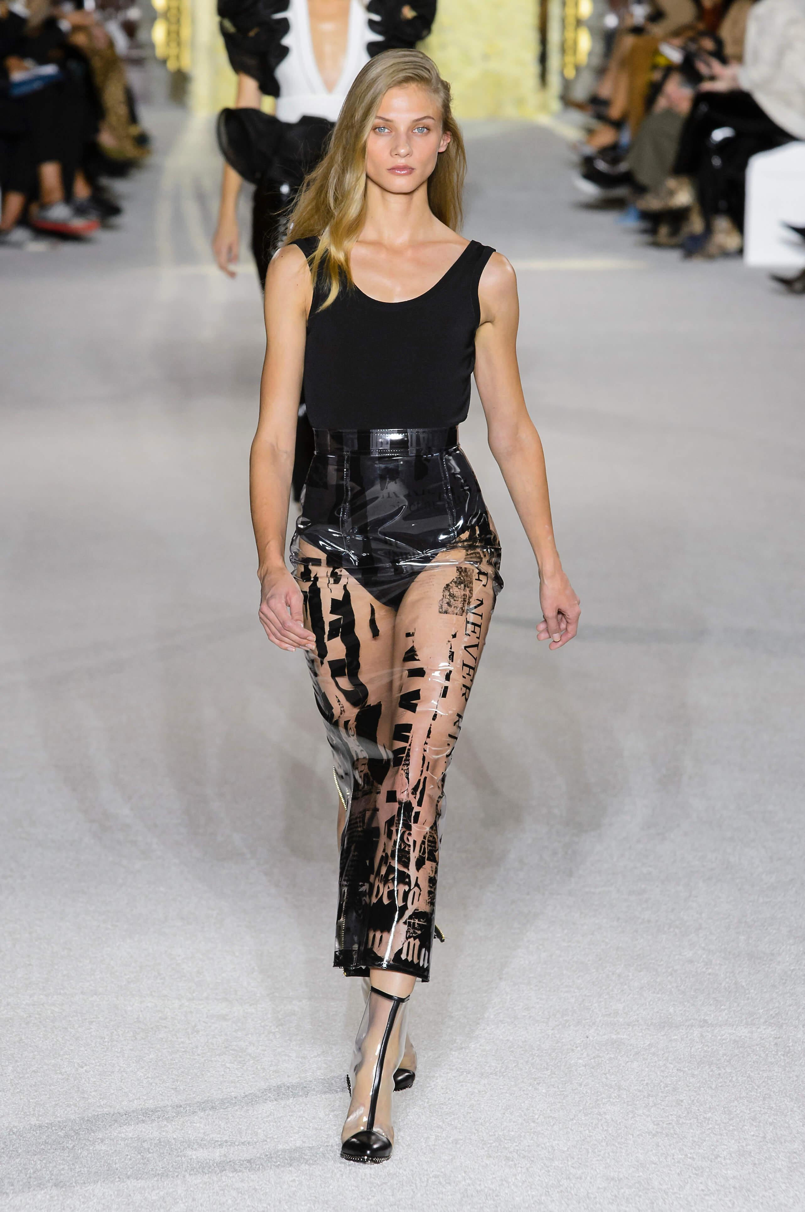 Новый тренд: Одежда в пластиковом чехле-Фото 5