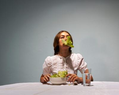 6 признаков того, что ваш организм страдает из-за нехватки калорий-430x480