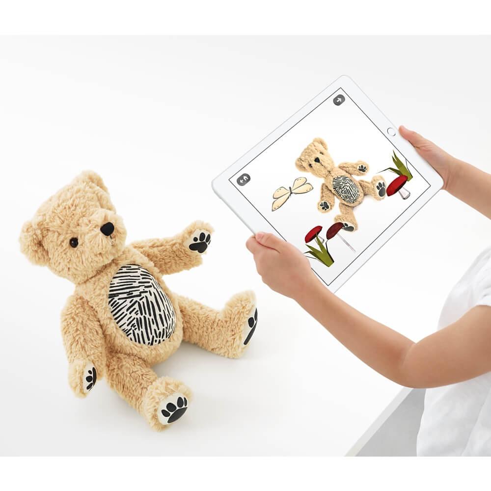 Apple выпустили плюшевого медведя, который умеет выражать свои эмоции-320x180