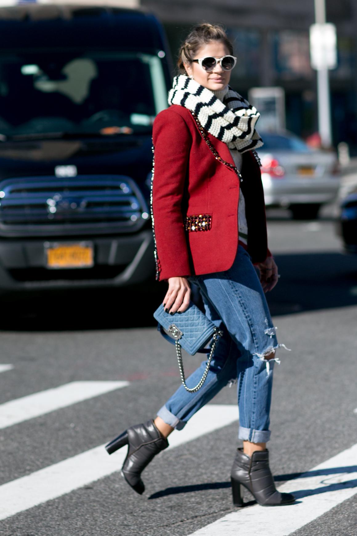 Вокруг шеи: 5 типов шарфов, которые должны быть у вас в шкафу-Фото 14