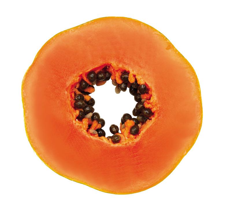Авокадо, папайя и личи: экзотические фрукты для ухода за кожей