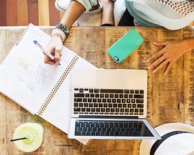 Онлайн-курсы по изучению целой профессии-430x480