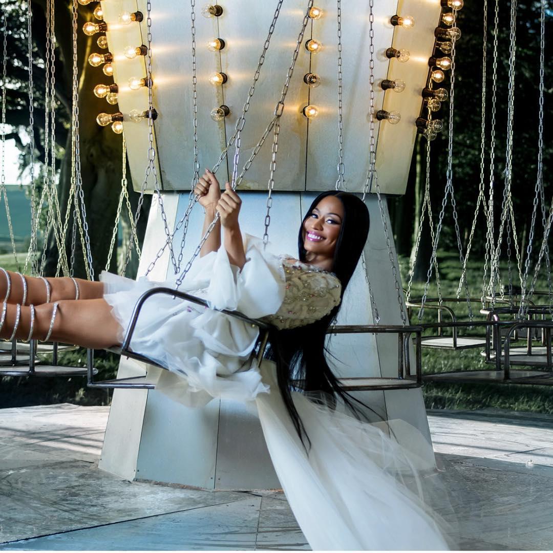 Никки Минаж стала новым лицом рекламного кампейна H&M-320x180