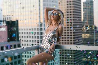 Кара Делевинь снялась в рекламном ролике коллекции Jimmy Choo