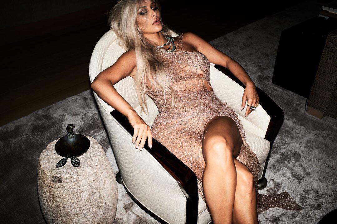Ким Кардашьян снялась в откровенной фотосессии для Violet Grey-Фото 1