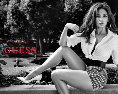 Дженнифер Лопес снялась в рекламной кампании Guess-430x480