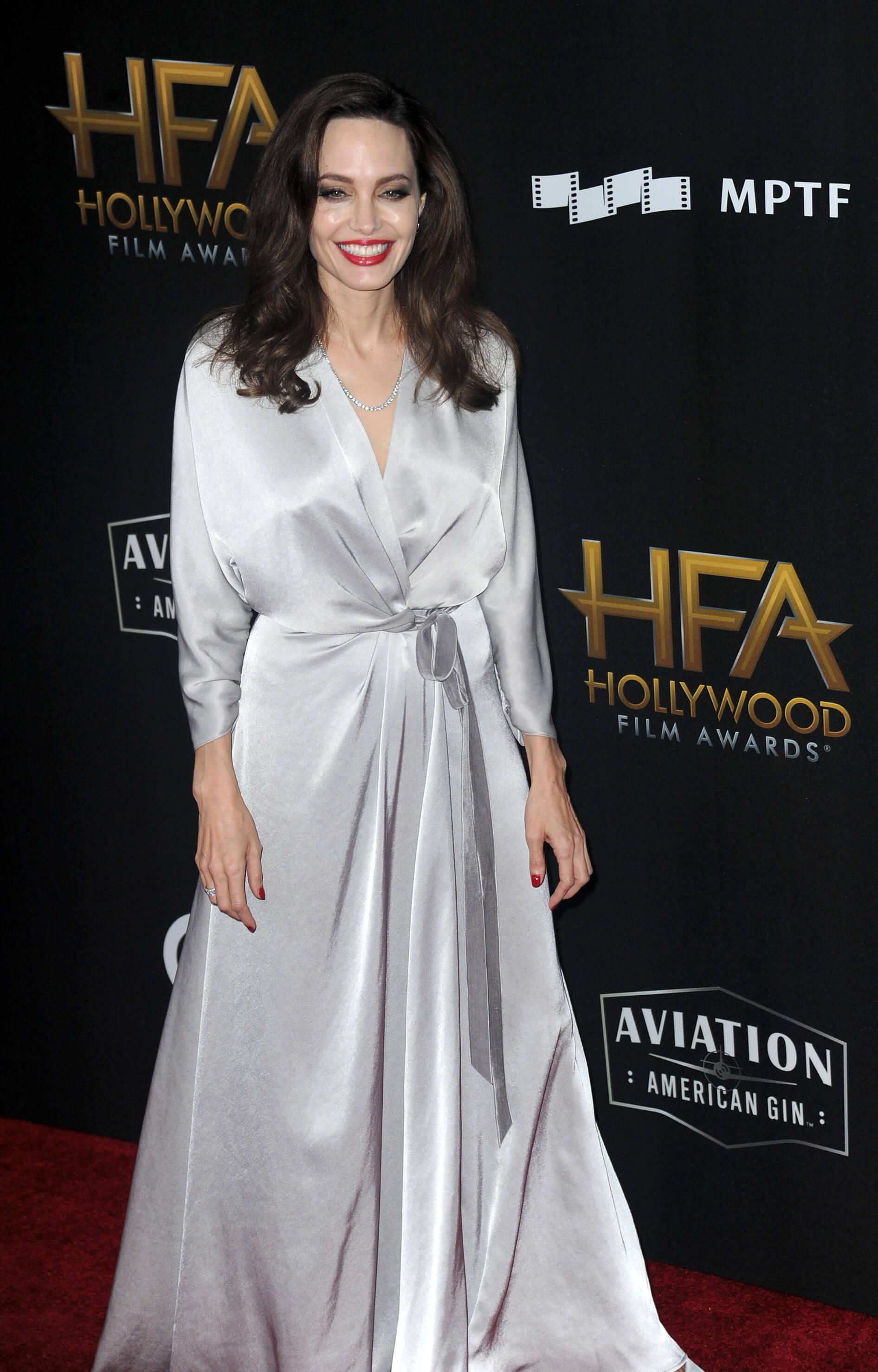 Лучшие образы знаменитостей на церемонии Hollywood Film Awards 17-320x180