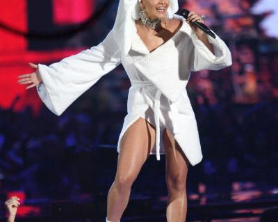 MTV EMA 2017: Рита Ора в халате и Джаред Лето в спортивных штанах-430x480