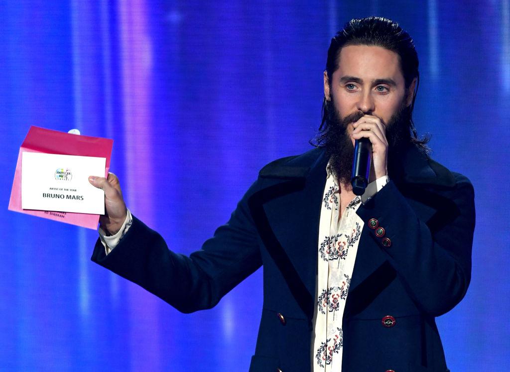 American Music Awards 2017: статуэтки получили Бейонсе и Бруно Марс-320x180