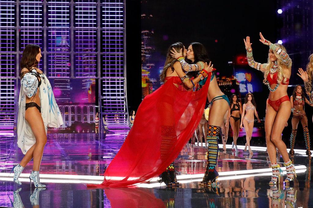 Алессандра Амбросио покидает Victoria's Secret-Фото 2