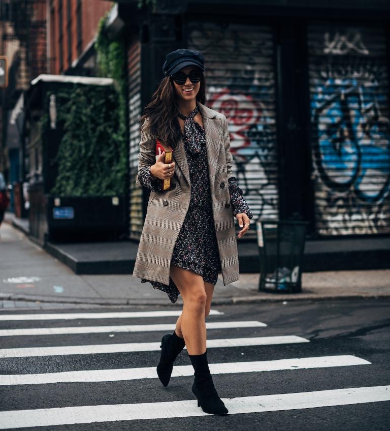 Как носить вещи oversize и выглядеть женственно-320x180