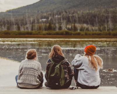 9 бюджетных идеи для встреч с подругами-430x480
