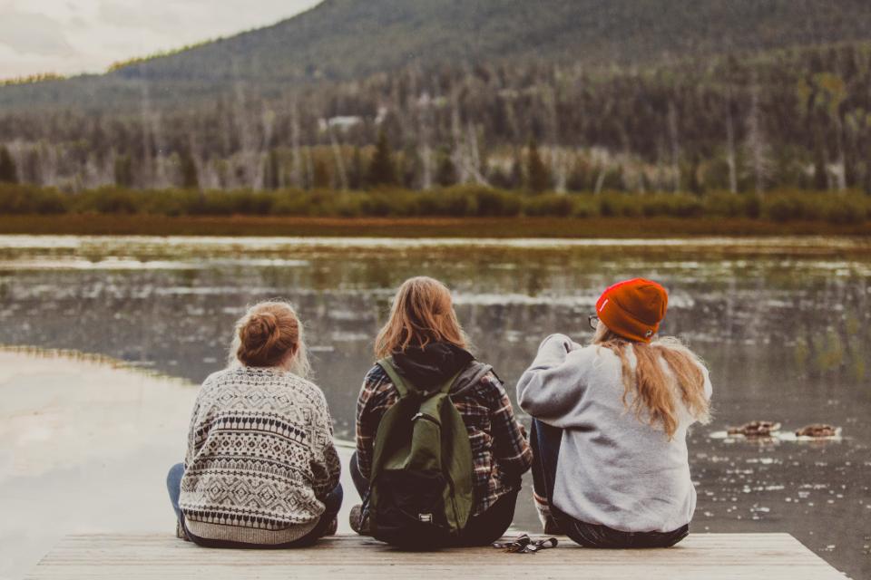 9 бюджетных идеи для встреч с подругами-320x180