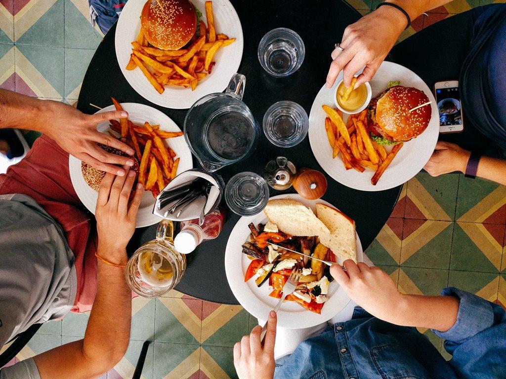 5 важных правил питания для девушек с жирной и проблемной кожей-Фото 1