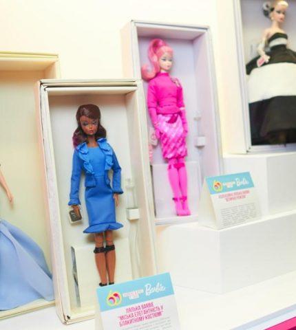 Barbie — 60 лет: как прошел день рождения знаменитой куклы в столичном ЦУМе-430x480