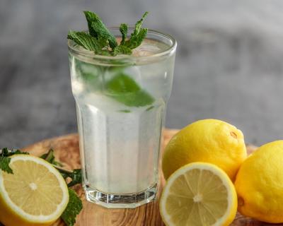 Преимущества воды с лимоном-430x480