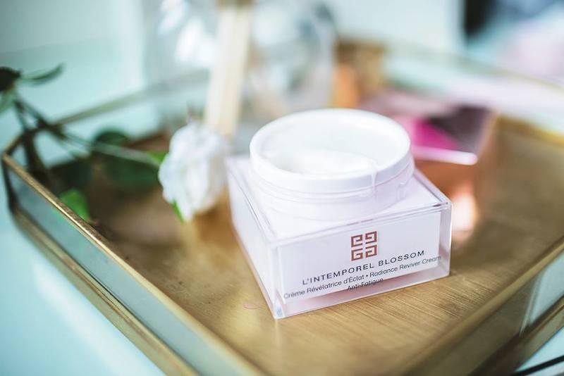 Онлайн-конференция Marie Claire: уход за кожей в большом городе с экспертом Givenchy-320x180