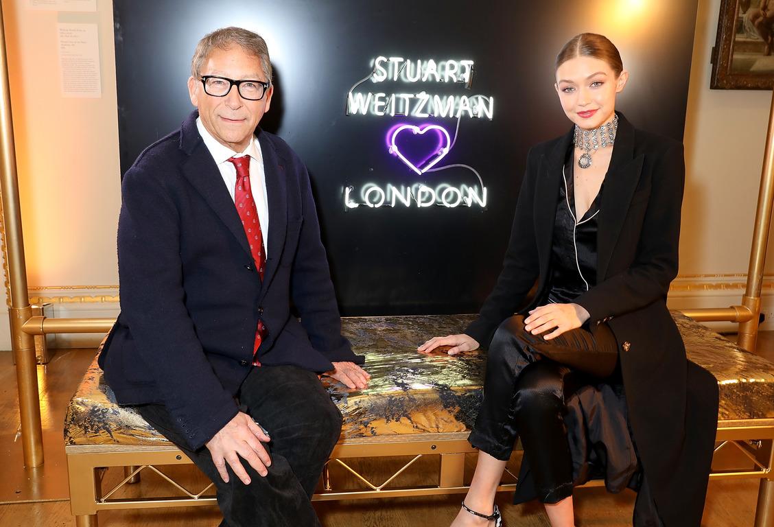 Джиджи Хадид выпустит совместную коллекцию обуви со Стюартом Вайцманом-320x180