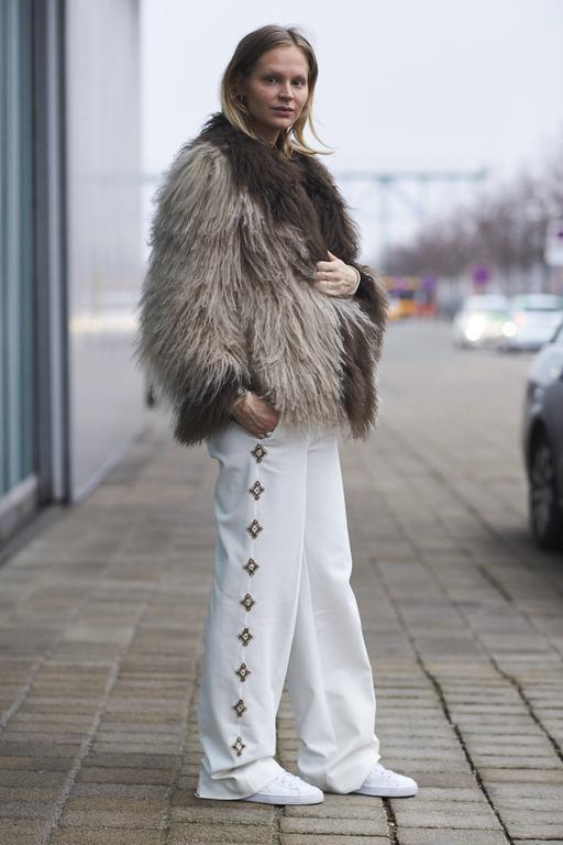Теплая история: Как правильно носить экошубу-Фото 5