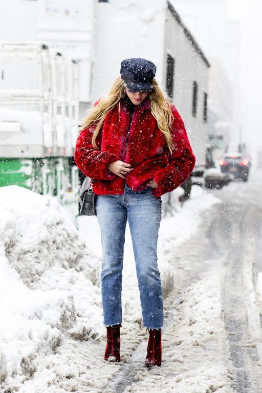 Теплая история: Как правильно носить экошубу-Фото 7