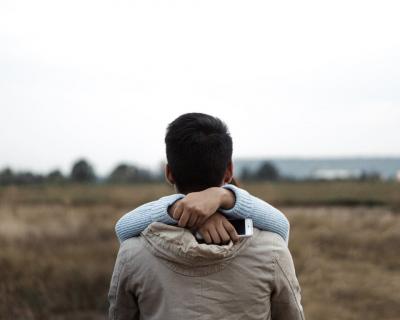 Как перестать контролировать партнера и жить своей жизнью-430x480