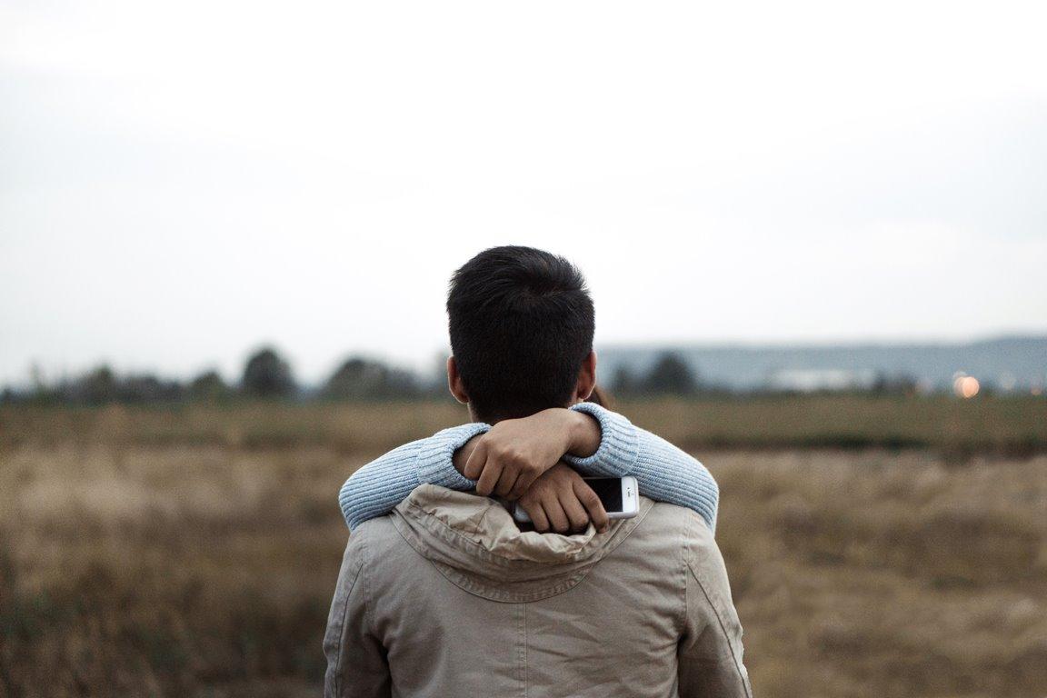 Как перестать контролировать партнера и жить своей жизнью-320x180