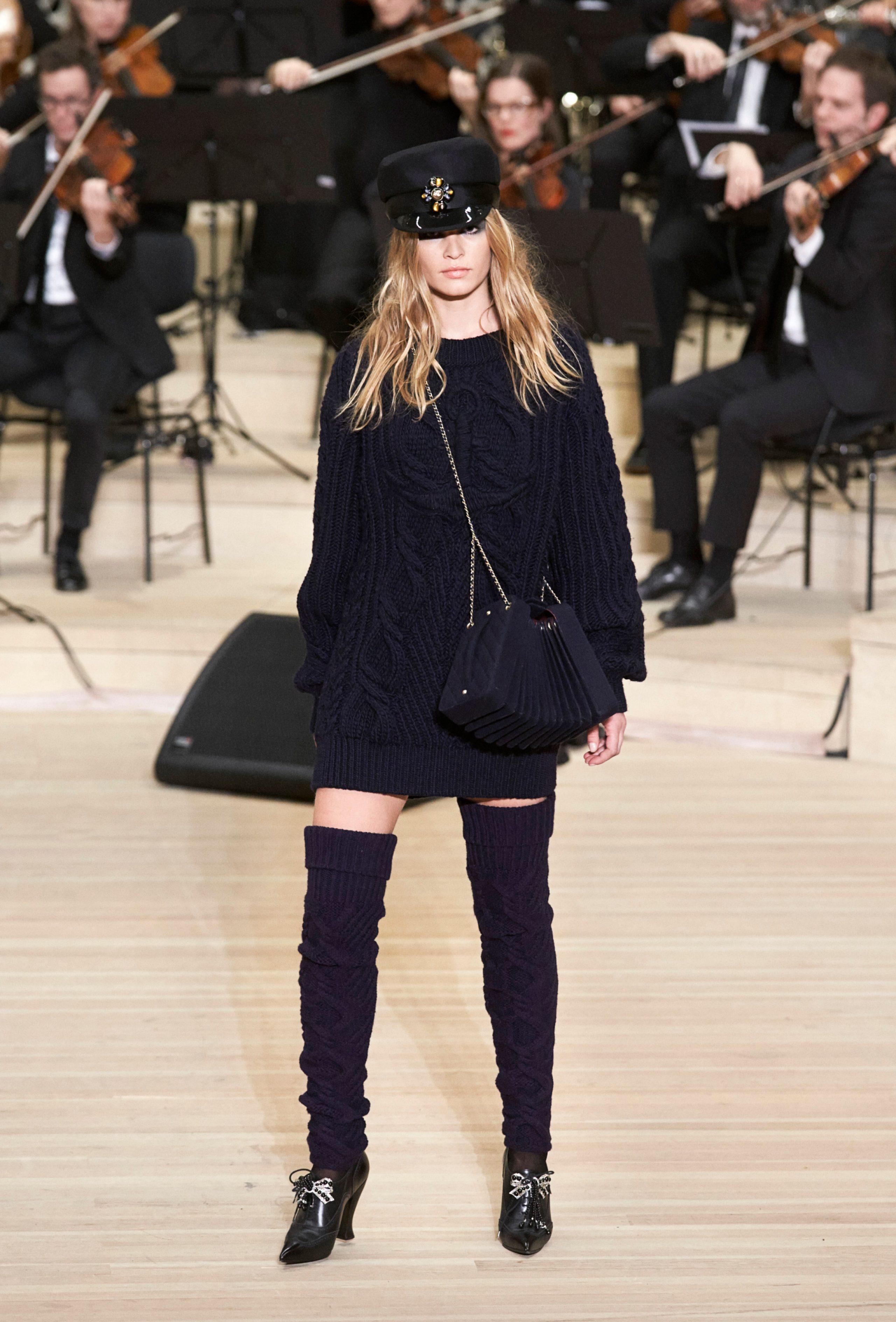 Лучшие образы с шоу Chanel Metiers d'Art Paris Hamburg 2017/18-Фото 1