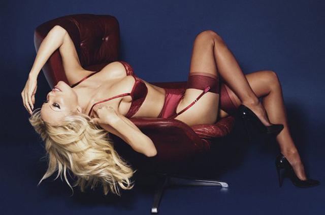 Памела Андерсон снялась в рекламе нижнего белья-Фото 4