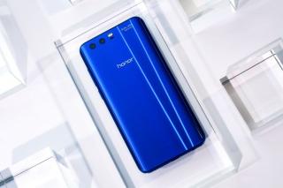 Идея для подарка: новый смартфон Honor 9