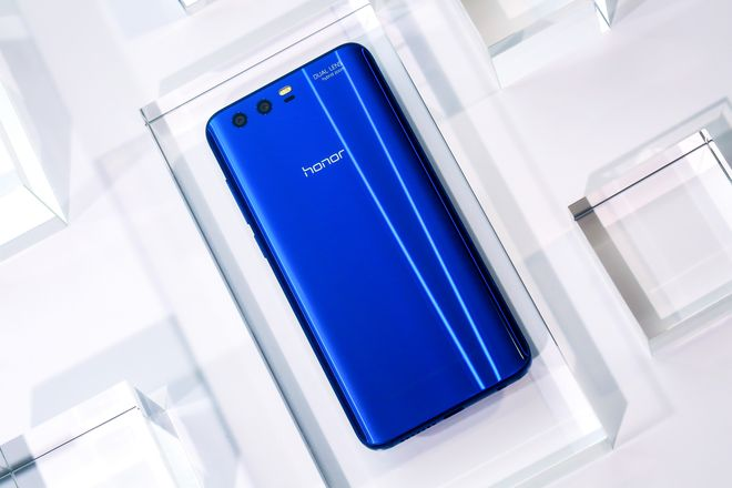 Идея для подарка: новый смартфон Honor 9-320x180