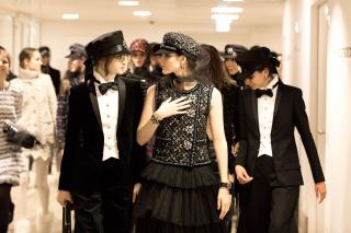 Лучшие образы с шоу Chanel Metiers d'Art Paris Hamburg 2017/18