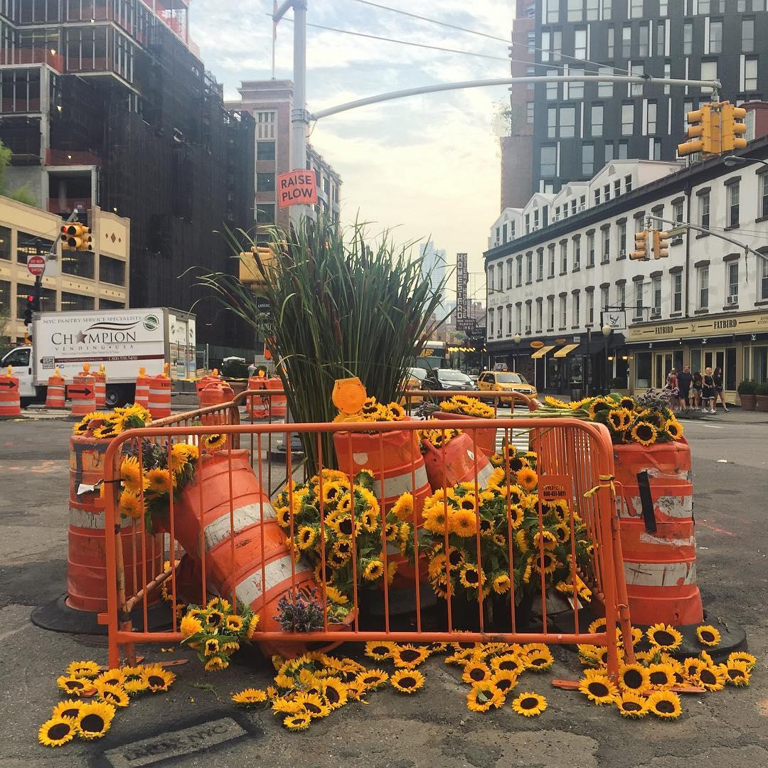 Фотоотчет: нью-йоркский флорист украсил улицы города-Фото 2